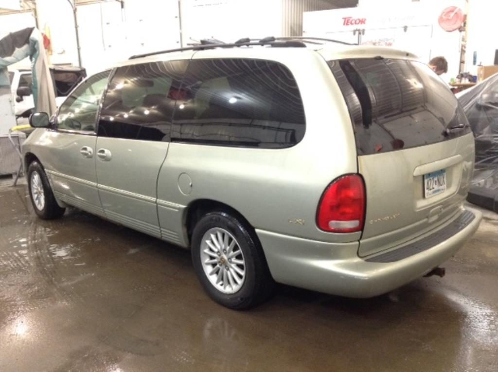 1999 Chrysler Town & Country Lxi 3.8 V6 LXi FWD Philips Repairables