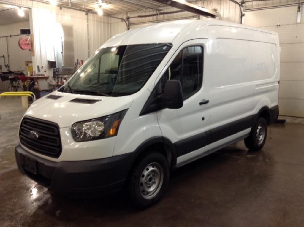 2015 Ford T250 Mid Cargo 3.7 V8 250 Van Med. Roof w/Sliding Pass. 130-in Philips Repairables