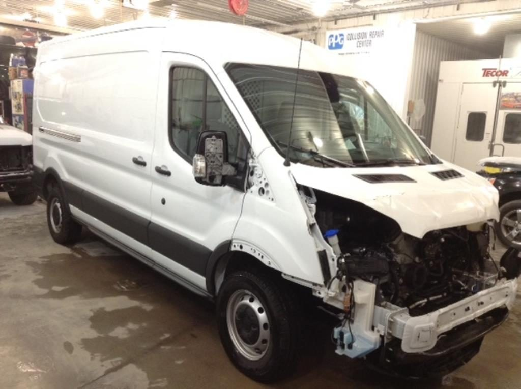 2018 Ford T250 Mid Ext Cargo 3.7 V8 250 Van Med. Roof w/Sliding Pass. 148-in Philips Repairables