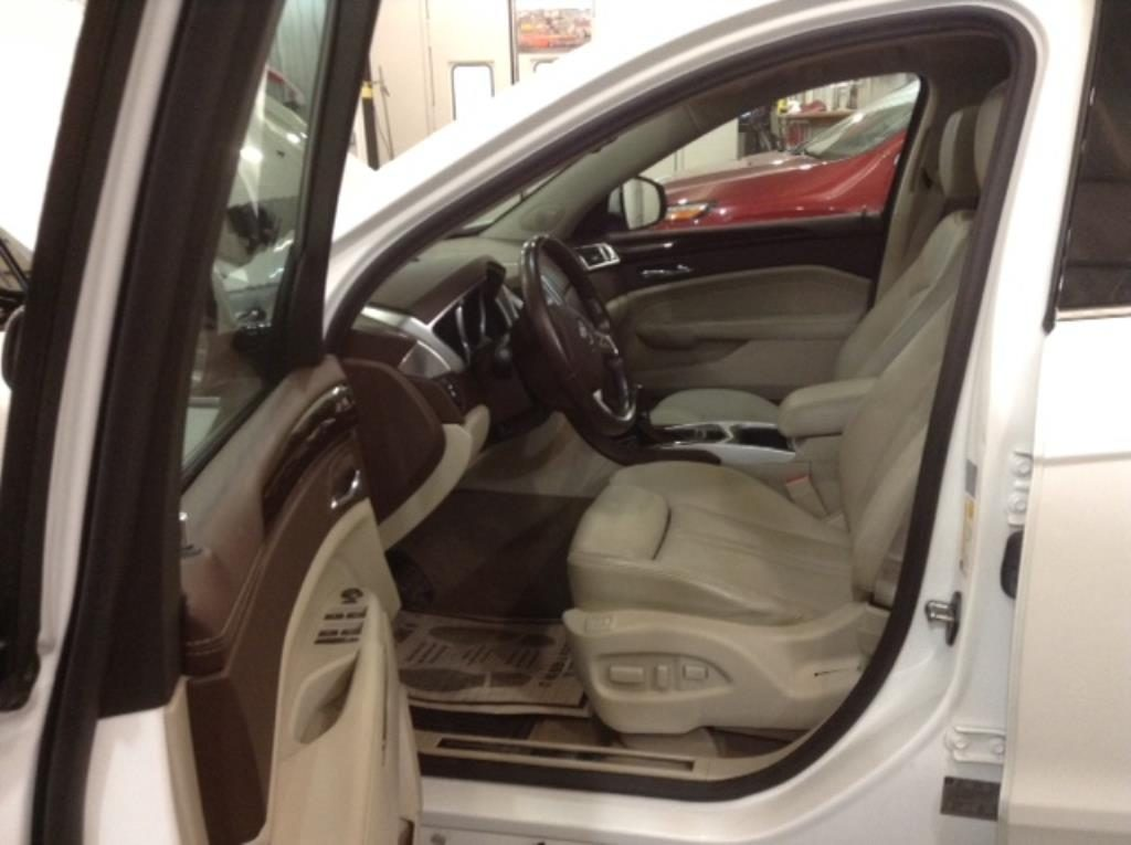 2011 Cadillac SRX Preformance AWD 3.0 V6 Performance Collection AWD Philips Repairables