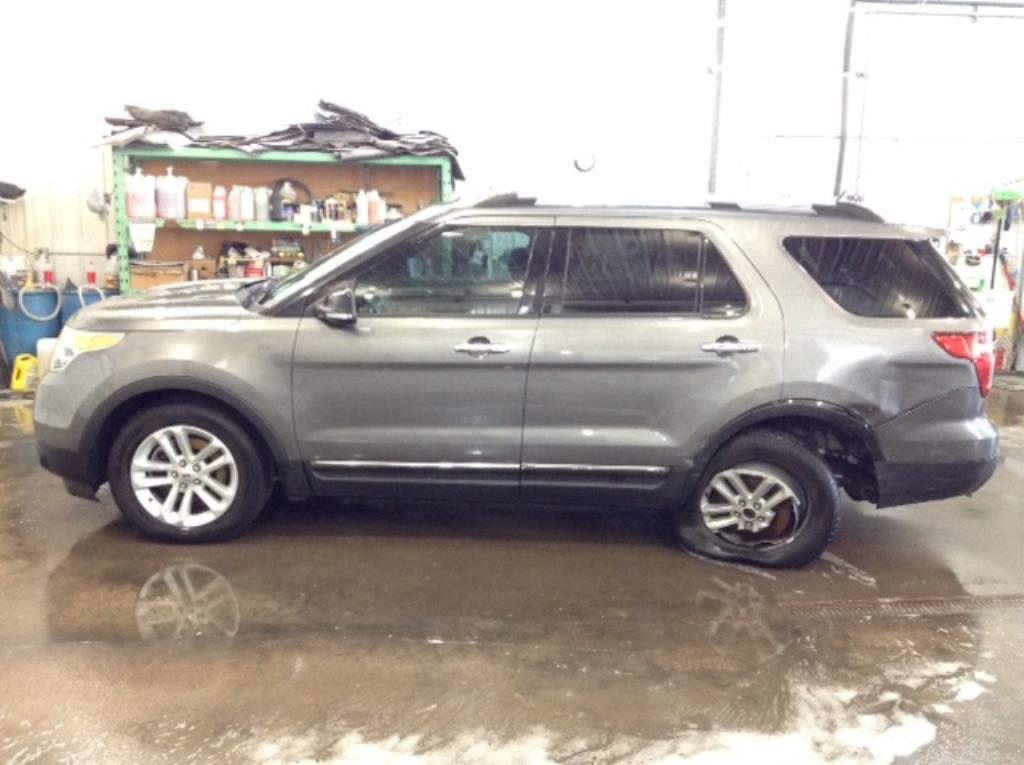 2014 Ford Explorer XLT AWD 3.5 V6 XLT 4WD Philips Repairables