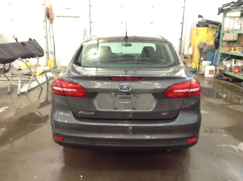 2015 Ford Focus 4Dr SE 2.0 L4 SE Sedan Philips Repairables