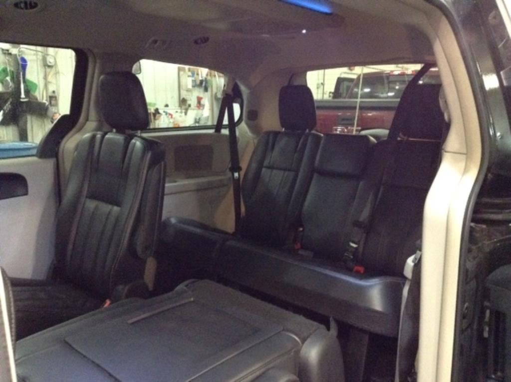 2012 Chrysler Town & Country Touring 3.6 V6 Touring Philips Repairables