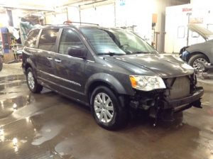 2015 Chrysler Town & Country Touring 3.6 V6 Touring Philips Repairables
